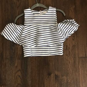 NEVER WORN Stripped crop top with ruffled sleeves